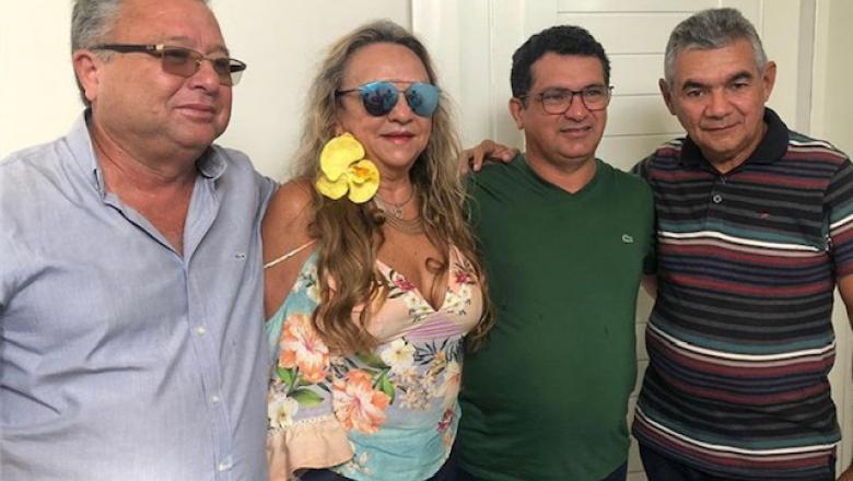 """Dra. Paula contraria Zé Aldemir em São João do Rio do Peixe: """"Meu candidato é Luiz Claudino e ponto final"""""""