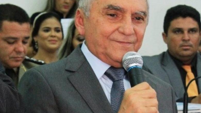 Prefeito de Patos exonera todos os servidores comissionados e justifica contenção de despesas